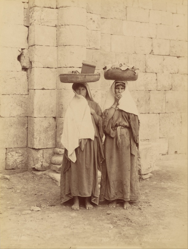 Félix_Bonfils_(French)_-_Femmes_de_Siloé,_Palestine_-_Google_Art_Project